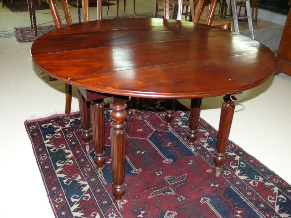 Table louis philippe meuble ancien albert antiquit for Table 6 pieds louis philippe